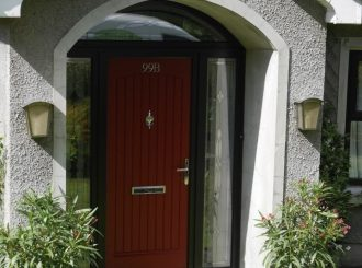 Linton Black With Red Door 4